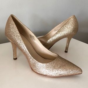 Pointed Gold Glitter Heels